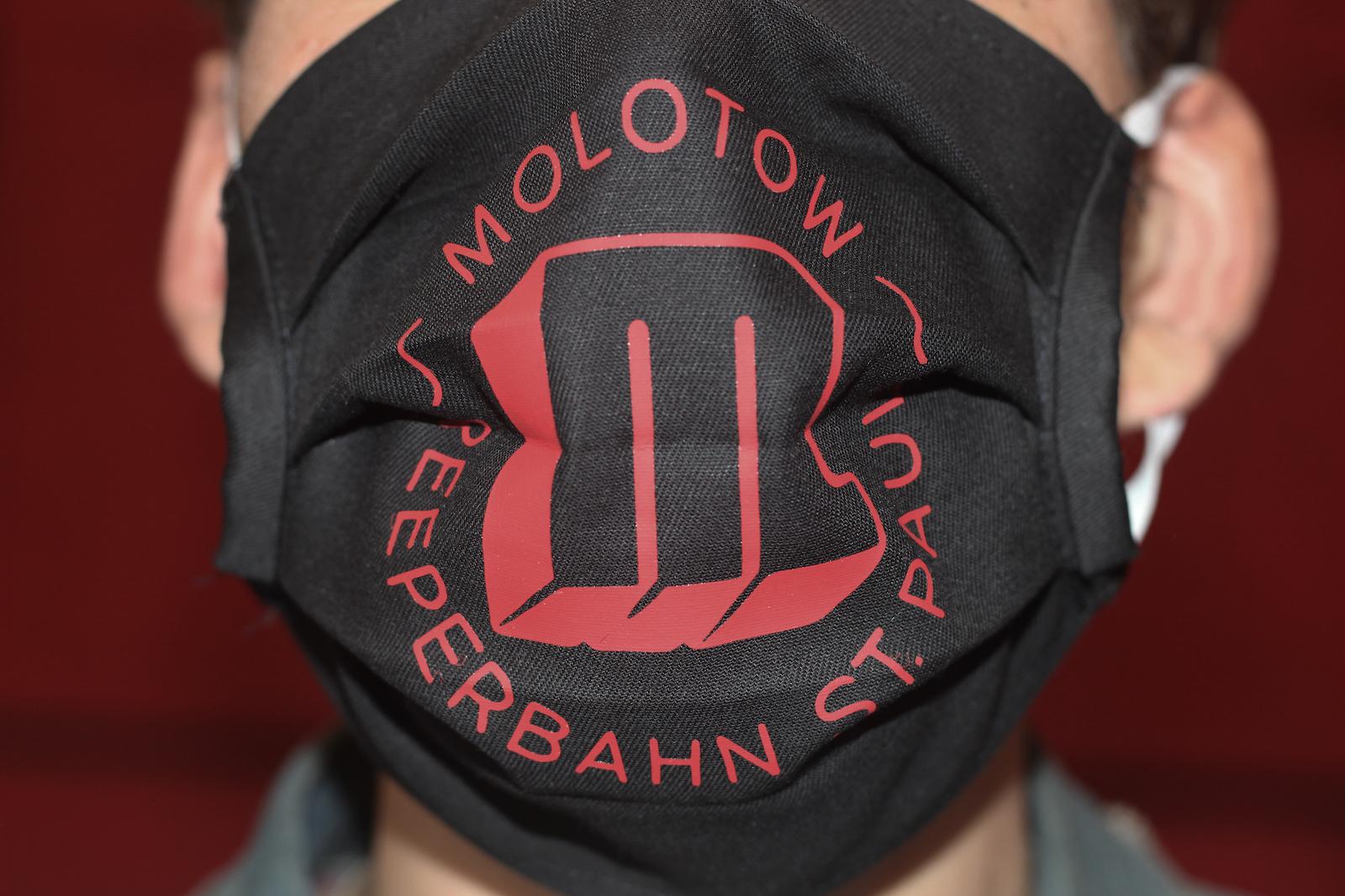 Soli Molotow Gesichtsmaske